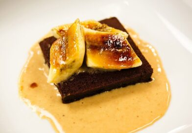 Recipe Rehab Season 1 Recipe How-To: Brownies With Peanut Butter Sauce and Caramelized Bananas