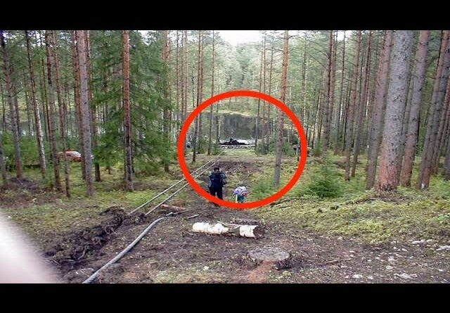 A child found a hidden lake, you can not imagine what was inside this lake